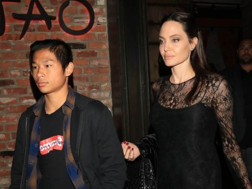 Maddox i Angelina Jolie