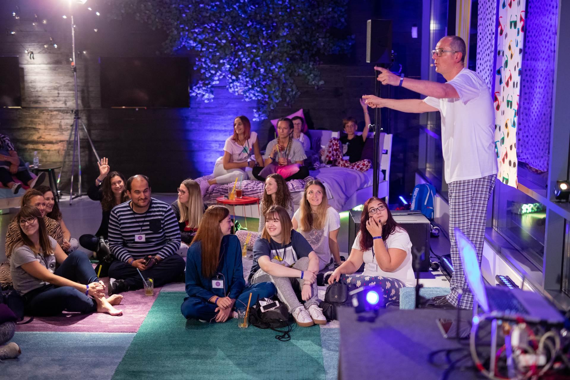 Zabavom u pidžamama otvoren IKEA noćni klub