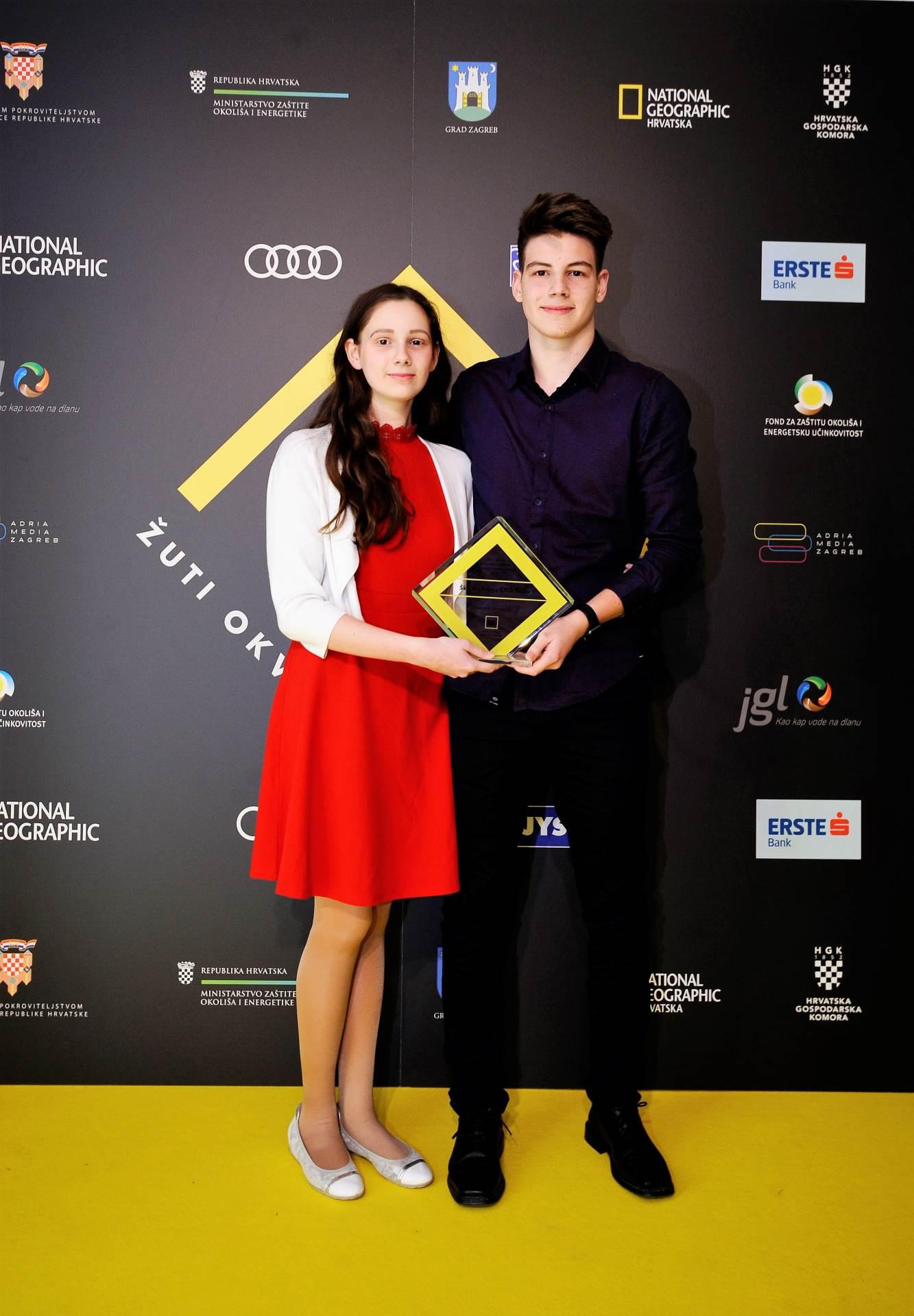 Dora i Antonio Dijanić, Školska knjiga CRO Team