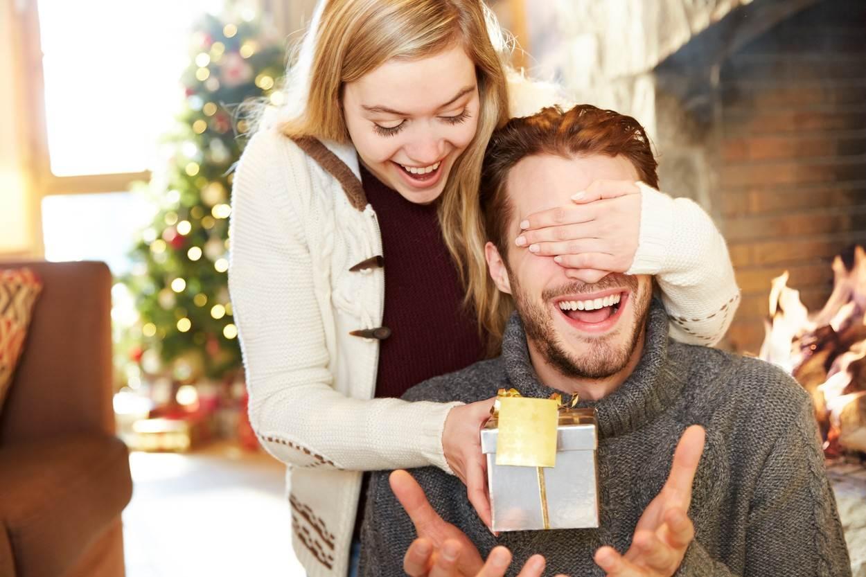 djevojka za božićne poklone tek je počela izlaziti javna škola dating uk