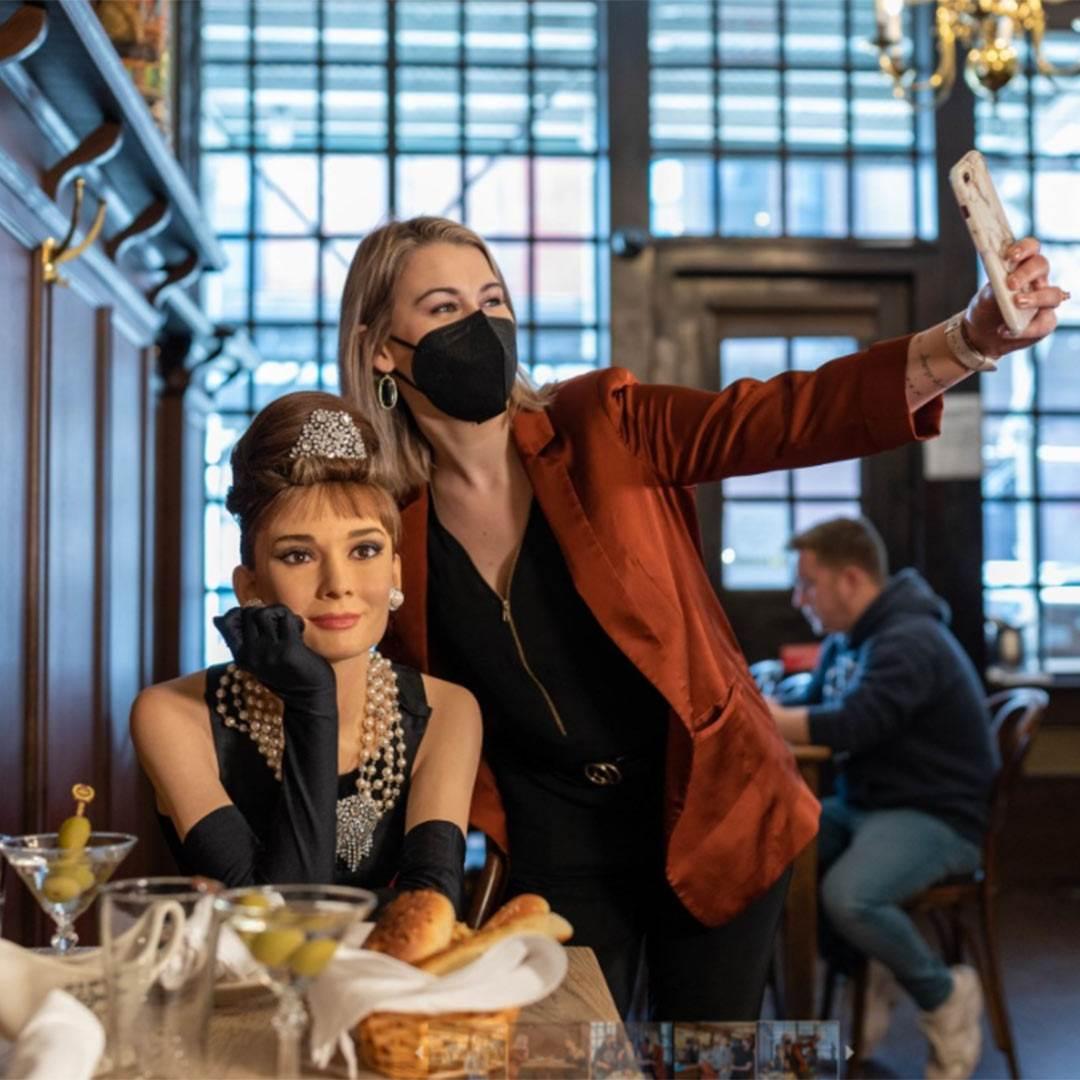 Gosti su se mogli fotografirati uz voštane figure
