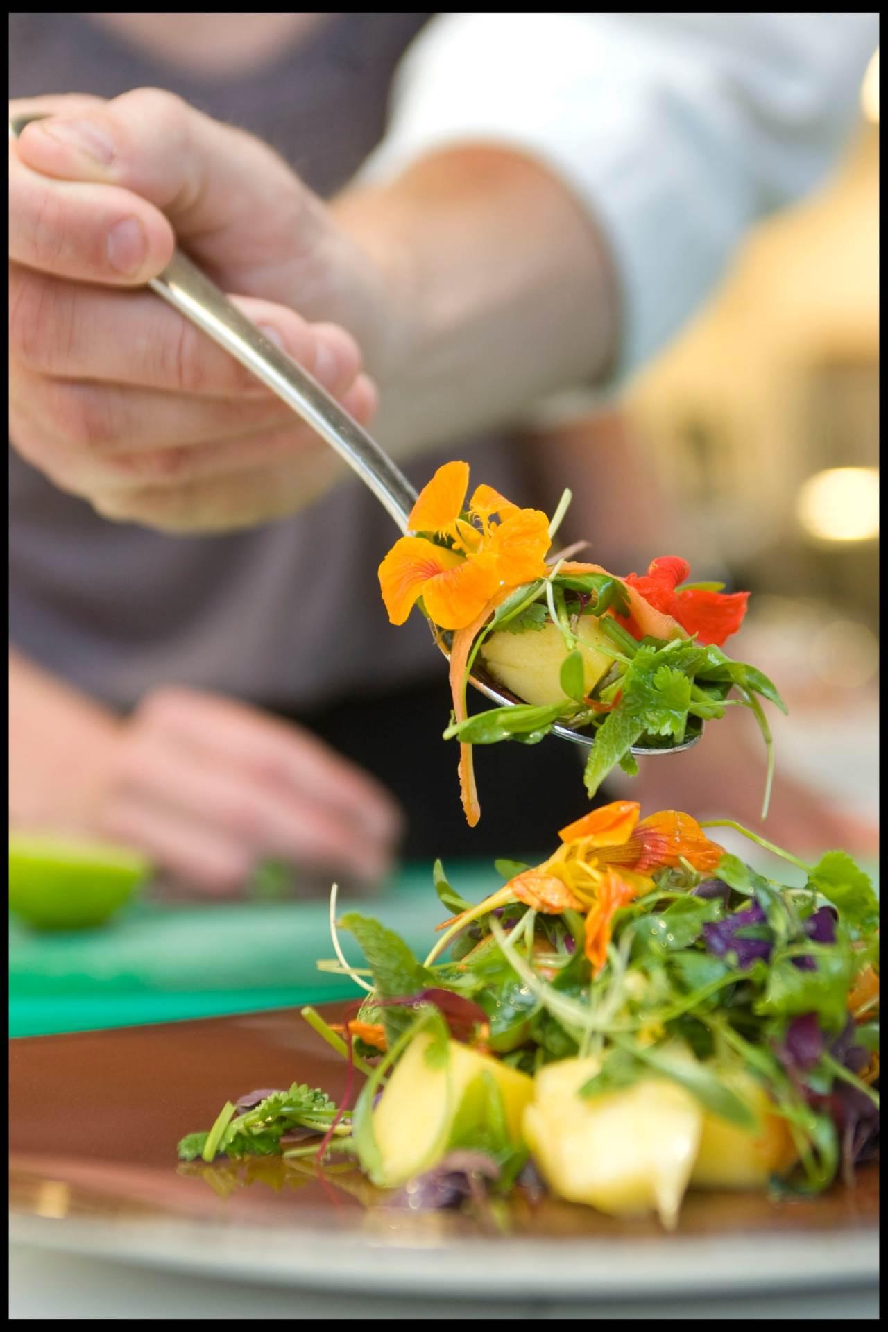 Cvijeće možete dodati u salatu