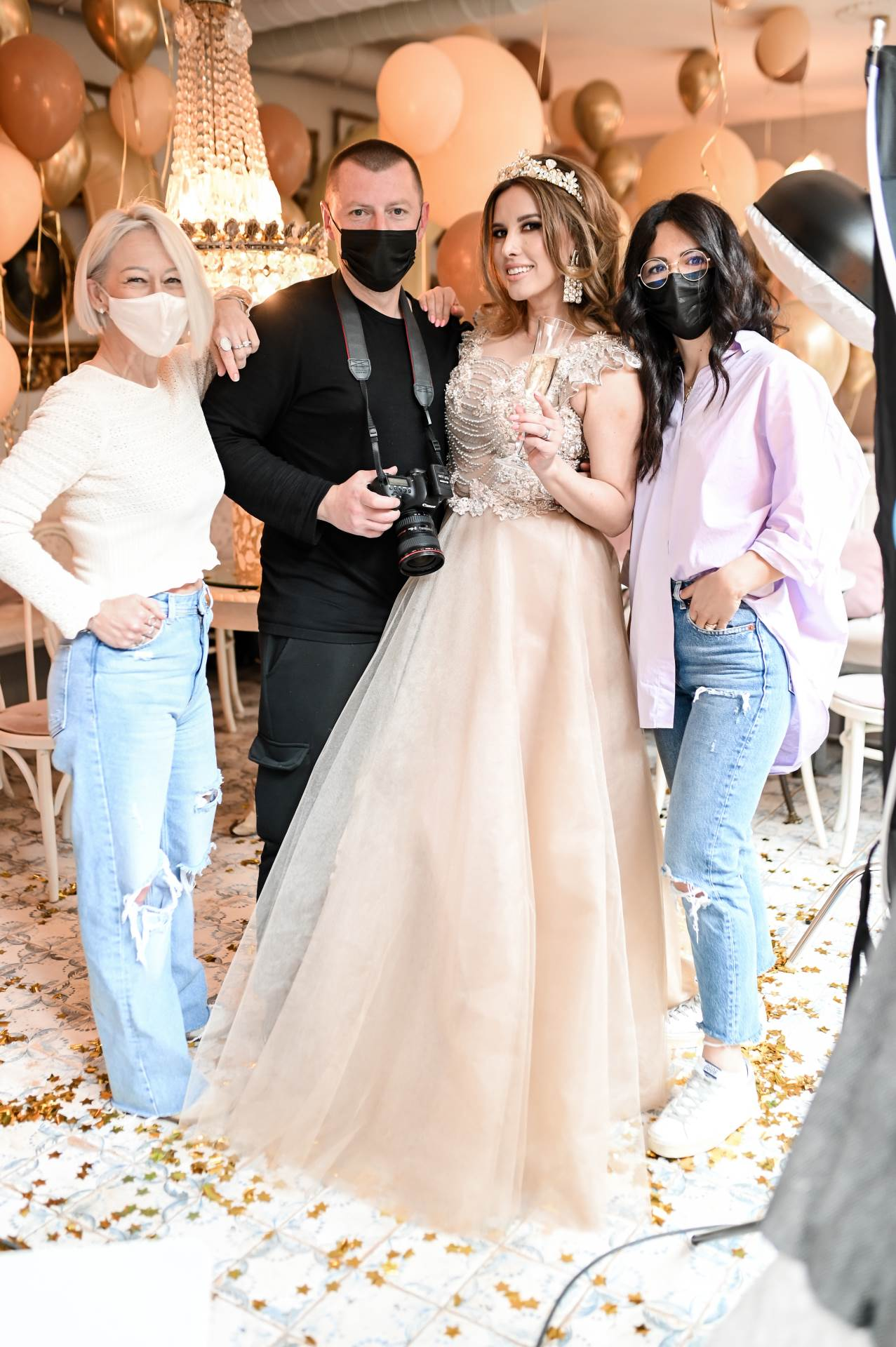 Vizažistica Sanja Agić, fotograf i stilist Goran Čižmešija, Nives Celzijus i Anamarija Uroić iz frizerskog salona Raptur Hair & Beauty