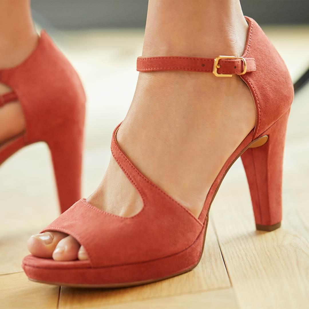 Deichmann sandale s visokim potpeticama
