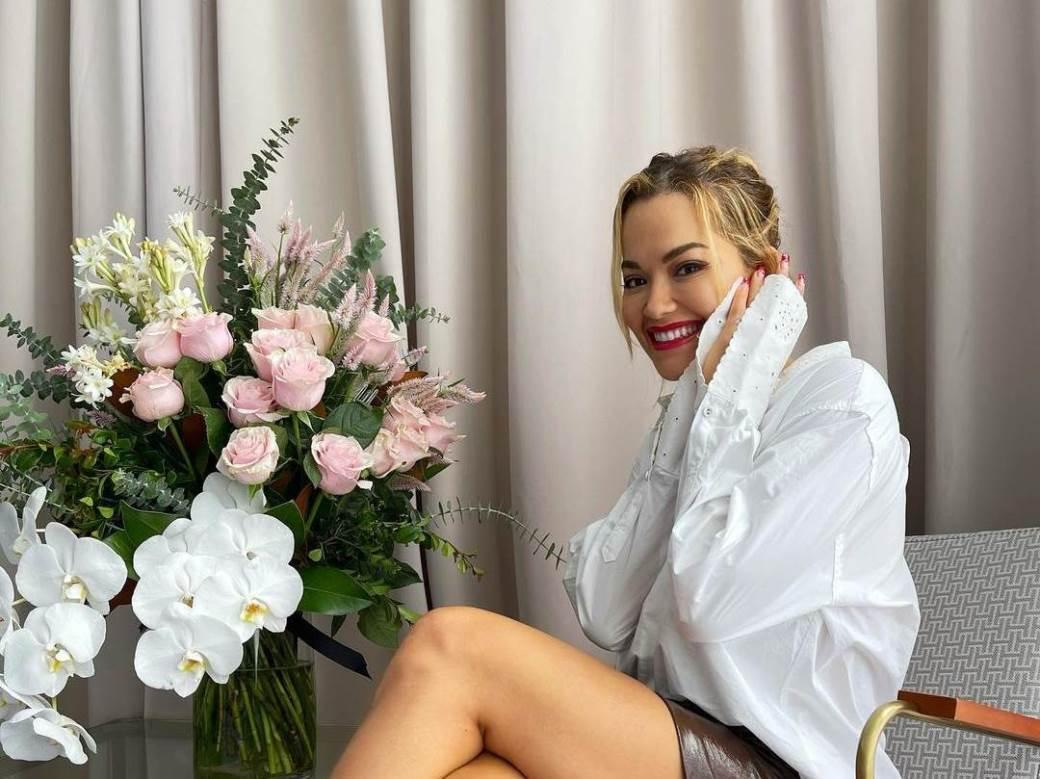 Rita Ora uhvaćena kako se u javnosti ljubi s dečkom i